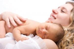 Момент появления ребенка после девяти месяцев ожидания