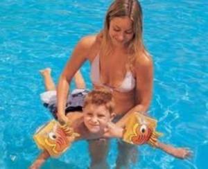 Знакомство ребенка с большой водой