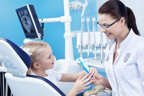 rebenok-u-stomatologa-04