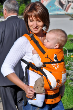 apelsin 233x350 - Качественные, безопасные и недорогие слинги для новорожденных
